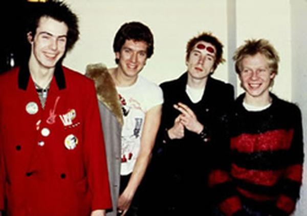 Sex Pistols Search And Destroy Şarkı Sözleri.